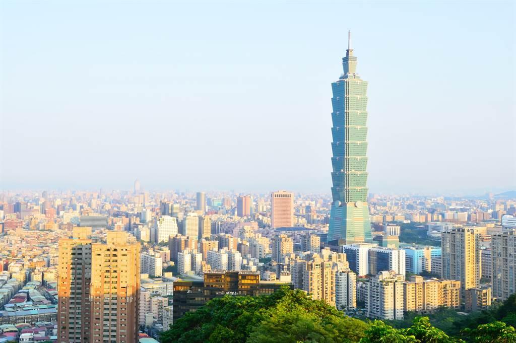 一名鄉民好奇問及,台北若拿掉首都光環、撤走總統府等行政機關,是否還有優勢?引發網友熱烈討論。(圖/示意圖,達志影像)