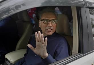 接种首剂疫苗后 巴基斯坦总统确诊新冠肺炎