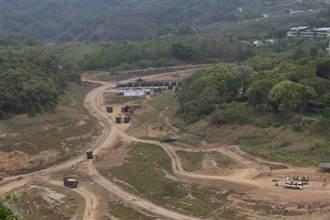 国军首次鲤鱼潭水库清淤 3单位预计清出24万吨淤泥