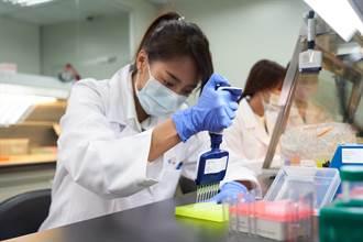 她肺癌轉移 基因檢測助標靶藥物精準治療