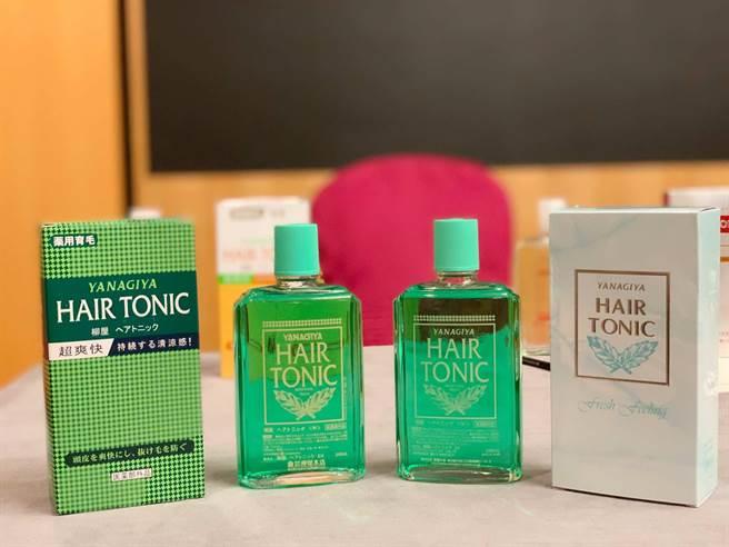 日本品牌「柳屋」生髮液,傳遭仿冒侵權。右半邊外包裝及瓶身為正貨,左一、二為假貨。(柯宗緯攝)