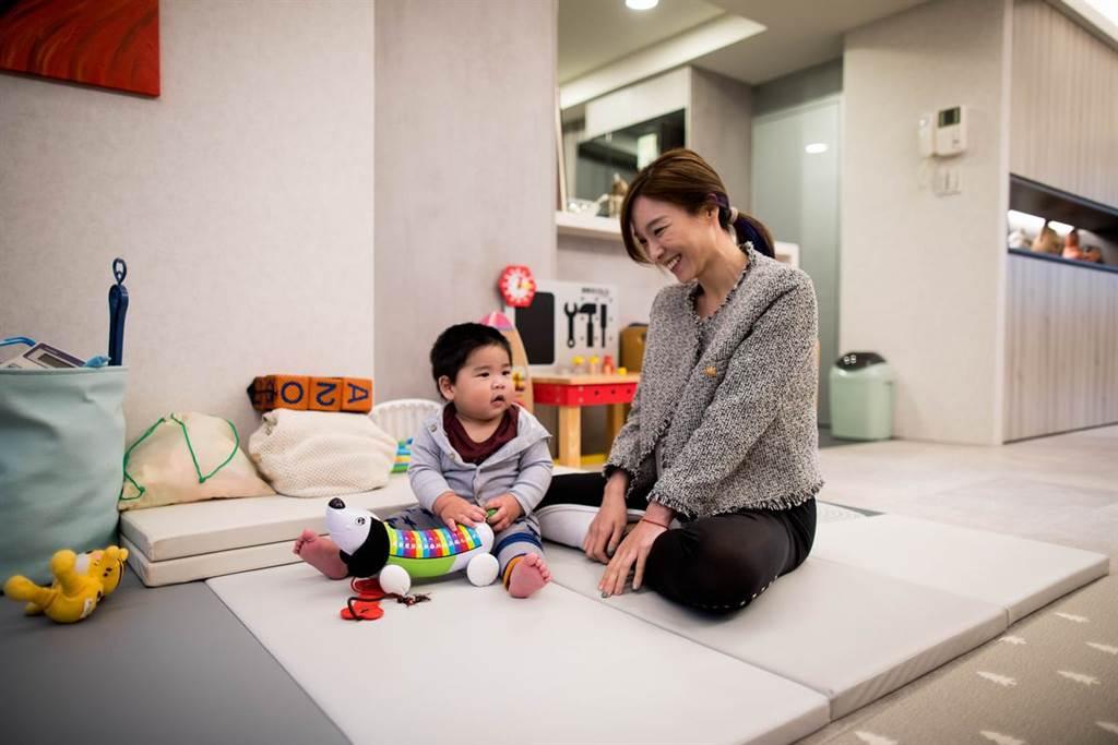 【直擊名人的家】主播媽咪張宇親子宅設計 通透公共區凝聚親子互動