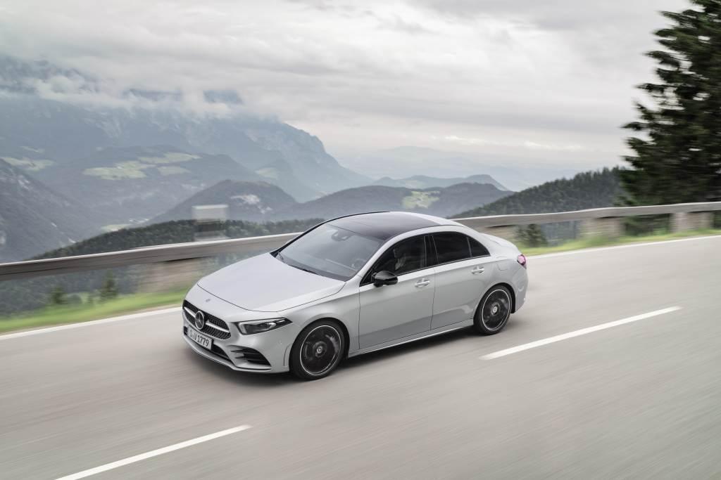 Mercedes-Benz NGCC 家族 2021 年式進化,全面標配 23P 智慧駕駛輔助套件!