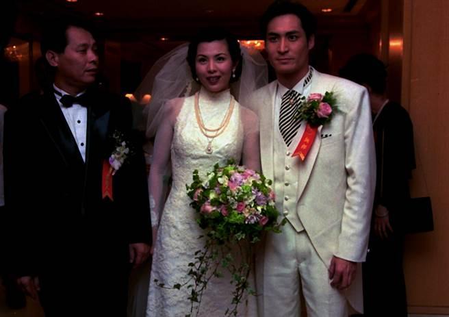 王百瑜和黃建群風光結婚,卻只維持一年不到就告吹。