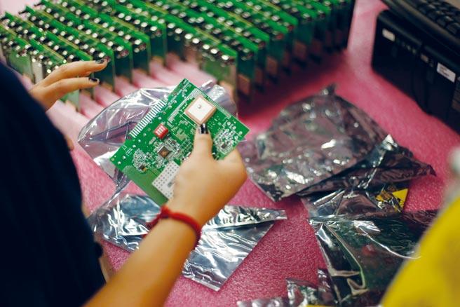電路板(PCB)不僅是電子產業供應鏈中的要角,也成為現今台灣的重要產業之一。圖/路透