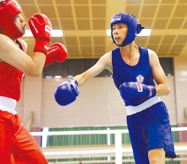 我國拳擊好手林郁婷(右)當選國際拳總冠軍暨資深選手委員會委員。(本報資料照片)