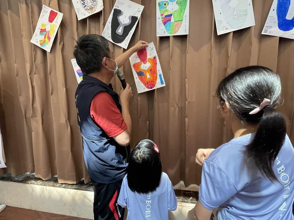 鎮瀾兒童家園孩子在小小鞋面上畫出媽祖、海洋世界、火車、小樹苗、機器人等天馬行空的內容及色彩,發揮創造力。(台中市社會局提供/王文吉台中傳真)