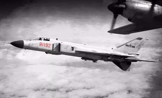 頭條揭密》中美南海撞機20周年:史諾登爆美偵察機迫降被俘秘辛