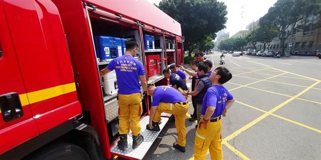北市消防局立即派員前往花蓮馳援。(翻攝照片/林郁平台北傳真)