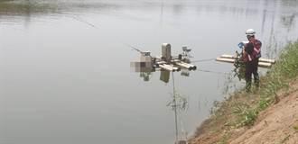疑失足落水 魚塭驚見男浮屍頸纏繩卡水車