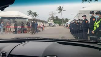 太魯閣號事故北市兩位罹難者遺體 北市警相伴運抵第二殯儀館