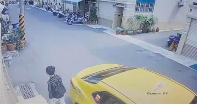 警方調閱資料得知李女搭乘計程車南下台南當詐騙車手。(讀者提供/程炳璋台南傳真)