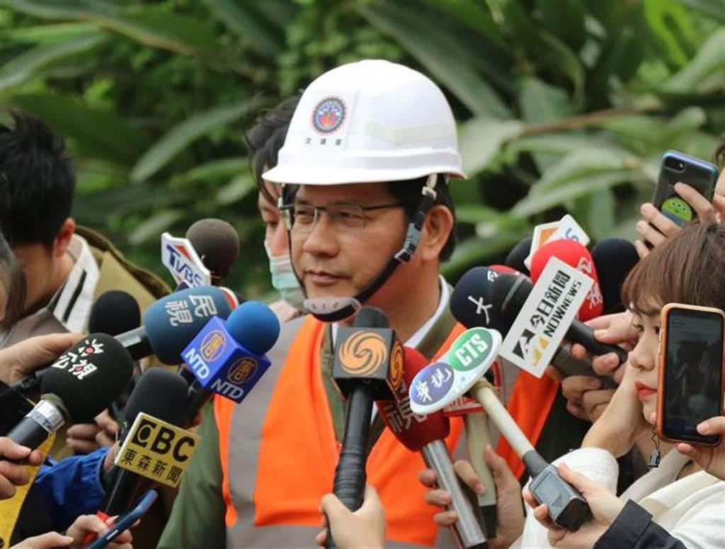 交通部長林佳龍4日在臉書聲明,已向總統蔡英文、行政院長蘇貞昌請辭負責。(資料照/羅亦晽攝)