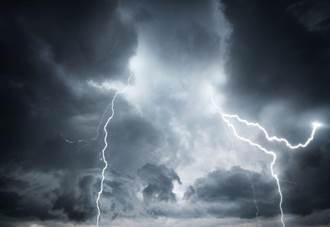 印尼東努沙登加拉省暴雨災情擴大  84死71失蹤