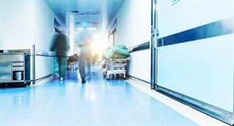 中年男大鬧急診室 醫喊「他超疫苗」護理師會意秒懂