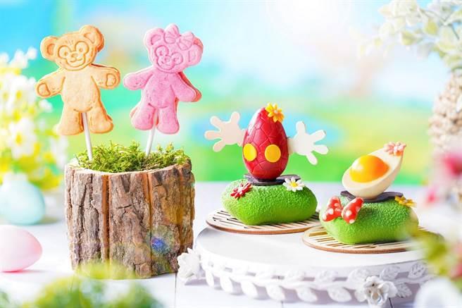Duffy造型棉花糖餅乾棒棒糖、ShellieMay造型草莓餅乾棒棒糖、復活蛋造型香脆焦糖奶油配香草蛋糕、蛋白餅配檸檬蛋糕。(圖/香港迪士尼樂園提供)