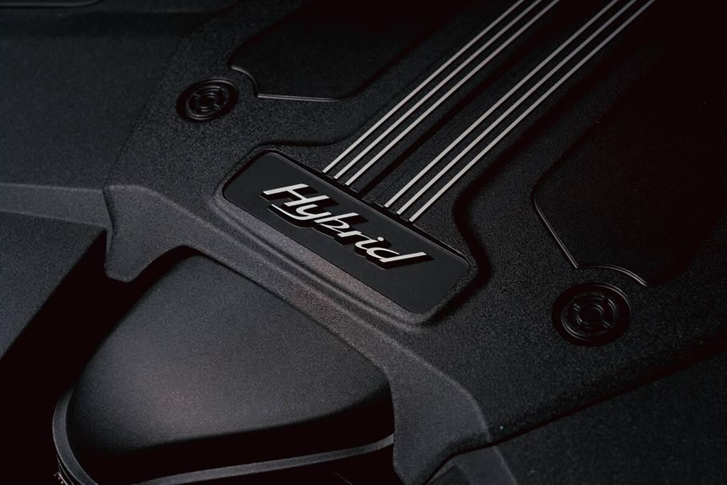 Bentley為客戶打造專屬中國色彩的Bentayga Hybrid