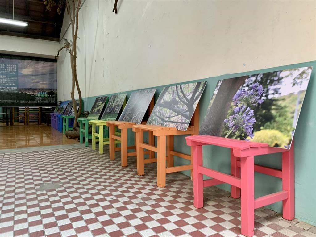 「水墨鰲峯裝置展」由中港高中美術班創作,即日起在清水眷村文化園區展出。(陳淑娥攝)