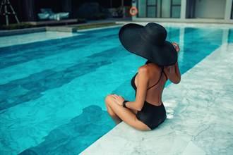 陌生男半夜傳裸照 她秒崩潰:是我海邊玩的照片