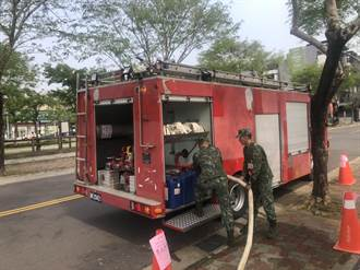 「供5停2」限水第二天 中市消防局及國軍支援送水勤務