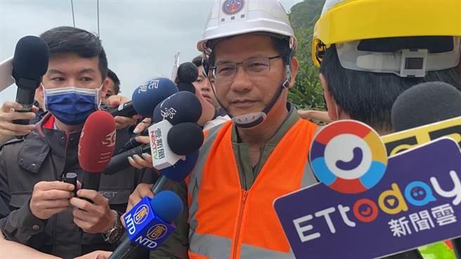 交通部長林佳龍表示,應該用企業經營理念去改善台鐵,把它變成一個公司,這不是交通部能自己處理,而是要府院支持,才能幫台鐵走出一條路。(圖/記者羅亦晽攝影)
