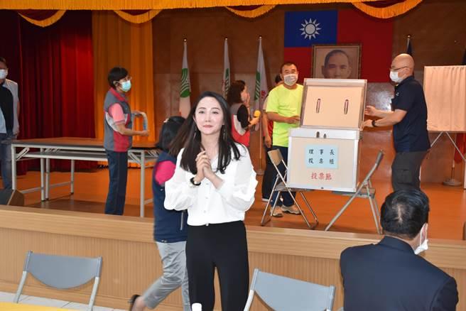 陳怡樺日前才當選苗栗縣農會有史以來最年輕的女性理事長。(謝明俊攝)