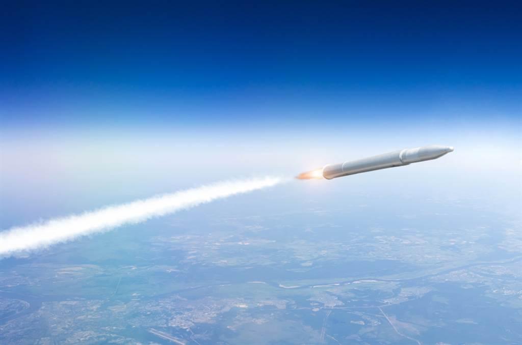 美極音速飛彈試射失敗 陸卻藉美晶片科技突 。(示意圖/shutterstock提供)
