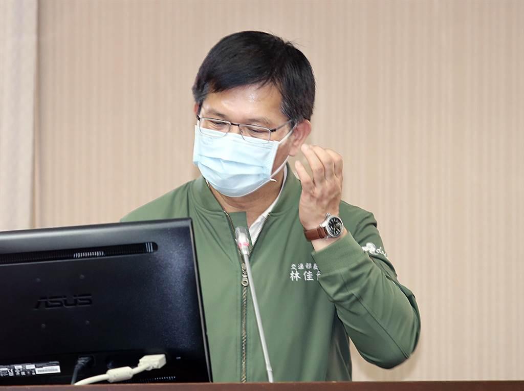 交通部長林佳龍7日赴立法院交通委員會專案報告太魯閣號出軌事故。(姚志平攝)