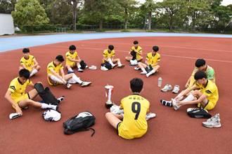 興華高中足球隊 再奪全中運亞軍