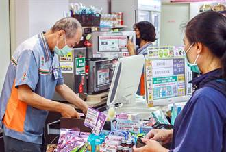 高年級實習生進駐 屏基超商打造樂齡就業友善環境