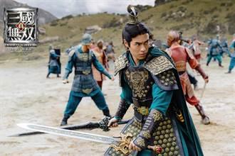 楊祐寧雙劍並使扮劉備 哀嚎「運動神經再好還是有難度啊」