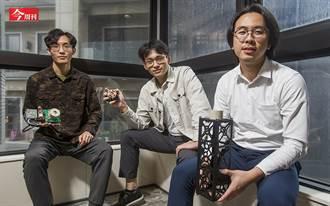 嘉義偏鄉4個21歲年輕人 讓微型衛星減重省電20% 「球型馬達」6月搭SpaceX上太空測試