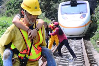 台積電為救難人員換新制服 媒體人曝潛規則大讚:很細心