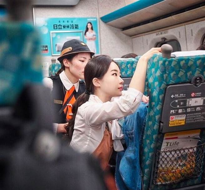 An之前因安撫爆哭女乘客,被讚是天使乘務員。(圖/翻攝自An IG)