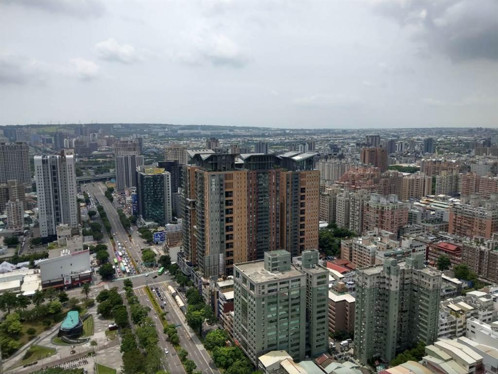 六都房地合一稅收最高的,就是近年推案量增與房市交易熱絡的台中市。(葉思含攝)