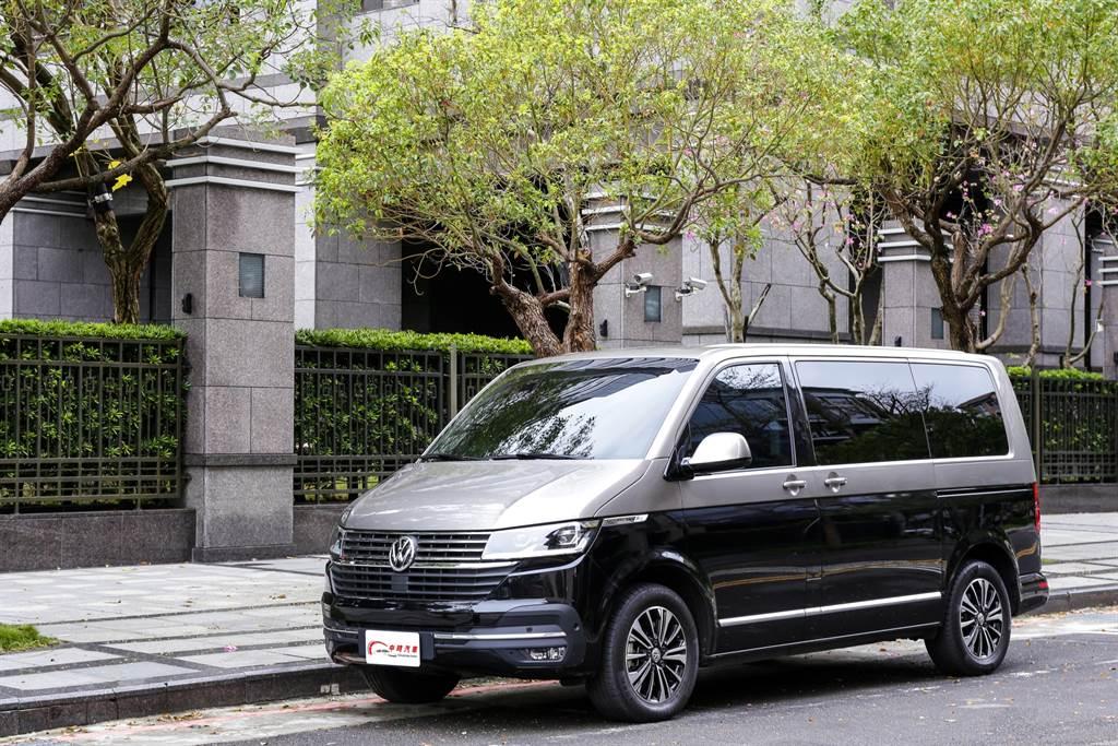福斯商旅T6.1 Multivan雖然主打商務客層,但以家用MPV的視角來看也相當稱職。(圖/陳彥文攝,以下同)