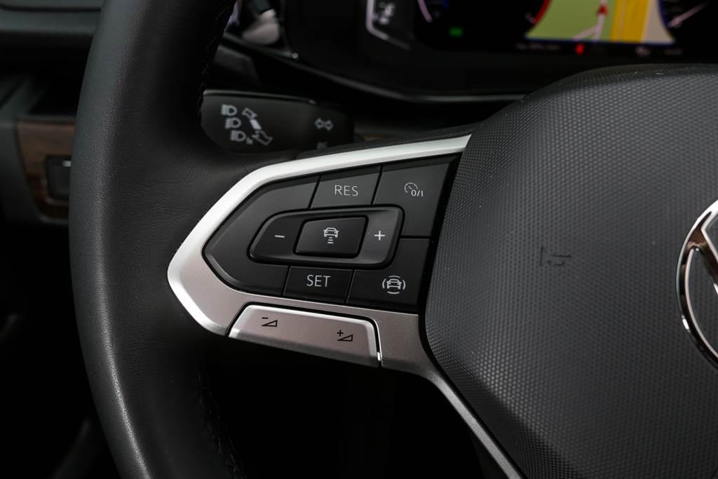 ACC系統的操作按鍵配置與過去略有差異,改為與VW其他車款相同。