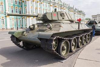 高手在民間 捷克籲上繳武器 竟有人開來一輛坦克