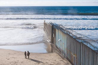 美墨圍牆擬續蓋 民主黨眾議員轟可恥