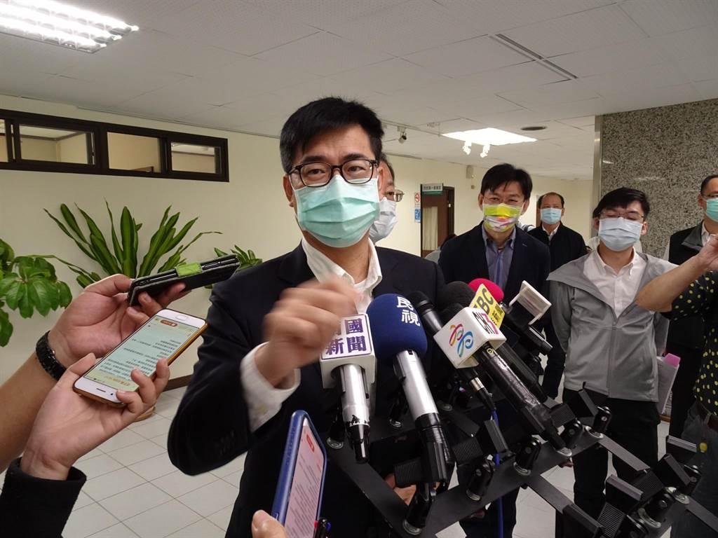 高雄市長陳其邁因為需赴議會備詢,改至下周三施打AZ疫苗。(本報資料照片)