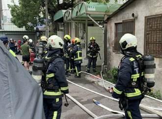 台中大樓地下停車場重機突自燃 濃煙四竄7人嗆傷送醫
