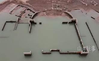 水下發現文明?水庫乾涸露出完整古城牆 考古學家驚呼