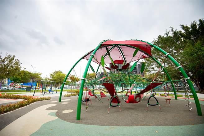 黎新公園好好玩!主體性攀爬遊具、水環境教育寓教於樂。(台中市府提供/盧金足台中傳真)