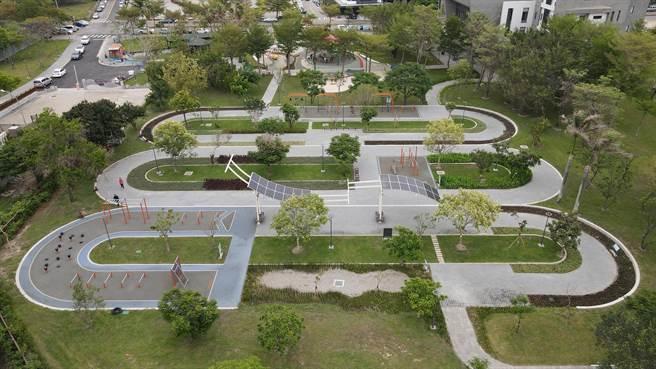 台中市南屯黎新公園(公93)搖身一變成為有溫度的都市公園。(台中市府提供/盧金足台中傳真)
