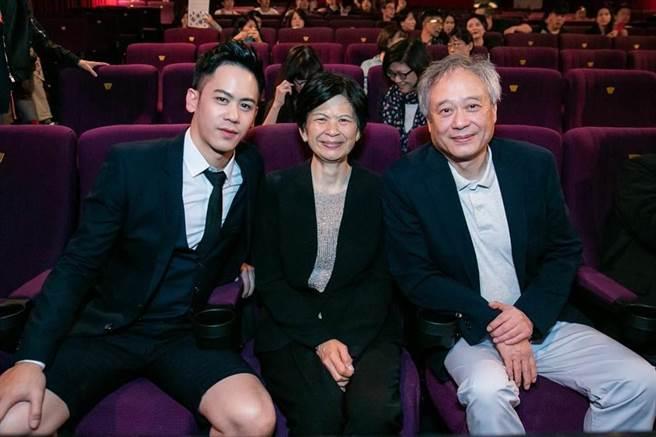 李淳(左起)難得和媽媽林惠嘉、爸爸李安導演合照,表示平常大家工作忙碌,鮮少一家團聚。(資料照片)