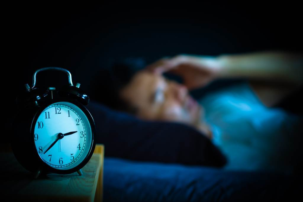睡不著嗎?試試天然助眠劑,吃對時間更能緩解失眠。(示意圖/Shutterstock)