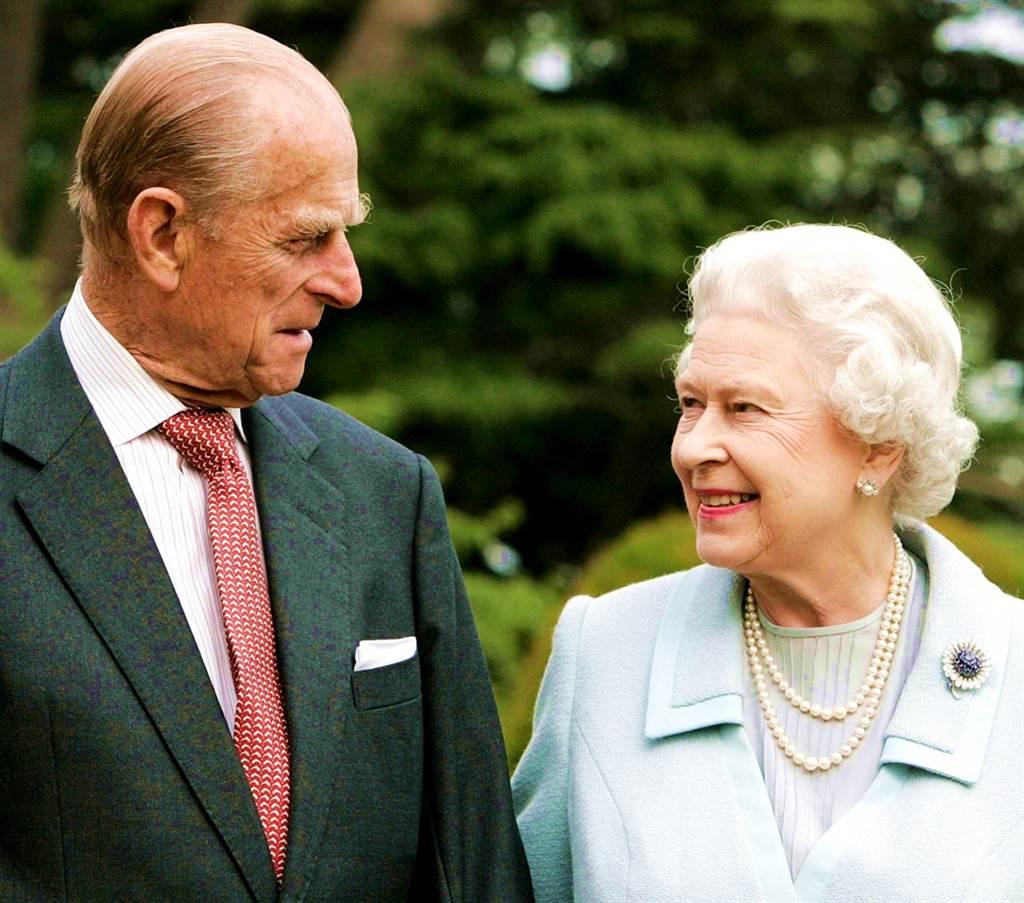 英國菲立普親王(Prince Philip)與世長辭,享耆壽99歲。英媒報導,菲立普親王生前最後願望是返家與女王相伴,不希望在醫院迎接生命終點。(資料照/TPG、達志影像)
