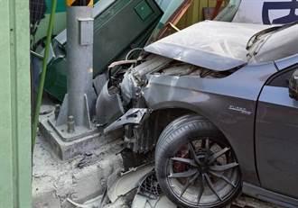 新買賓士載3名辣妹 撞爛車頭狼狽逃出 22歲木工:地板太滑啦