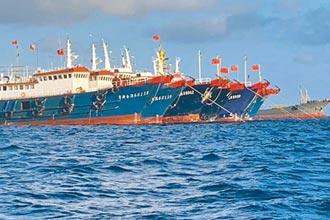 中國軍方艦艇 追趕菲國記者船