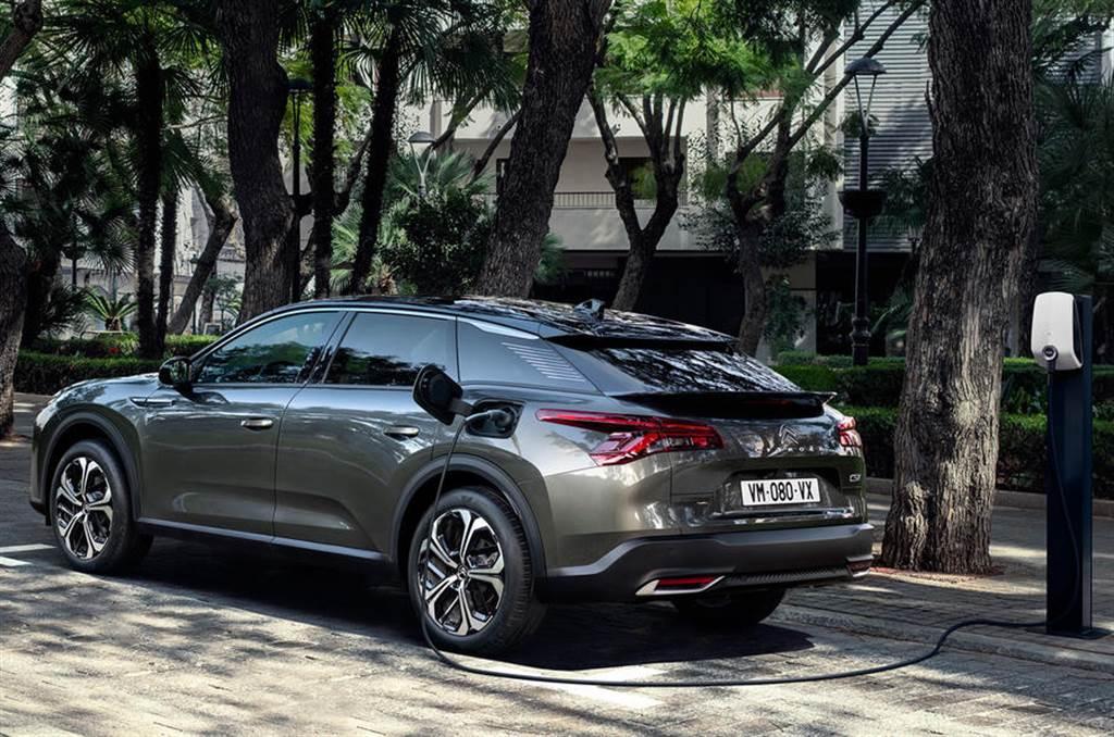 試圖在中大型旗艦市場突圍!新世代 Citroen C5 X「Sedan+SUV+Wagon 三車一體」全球首發